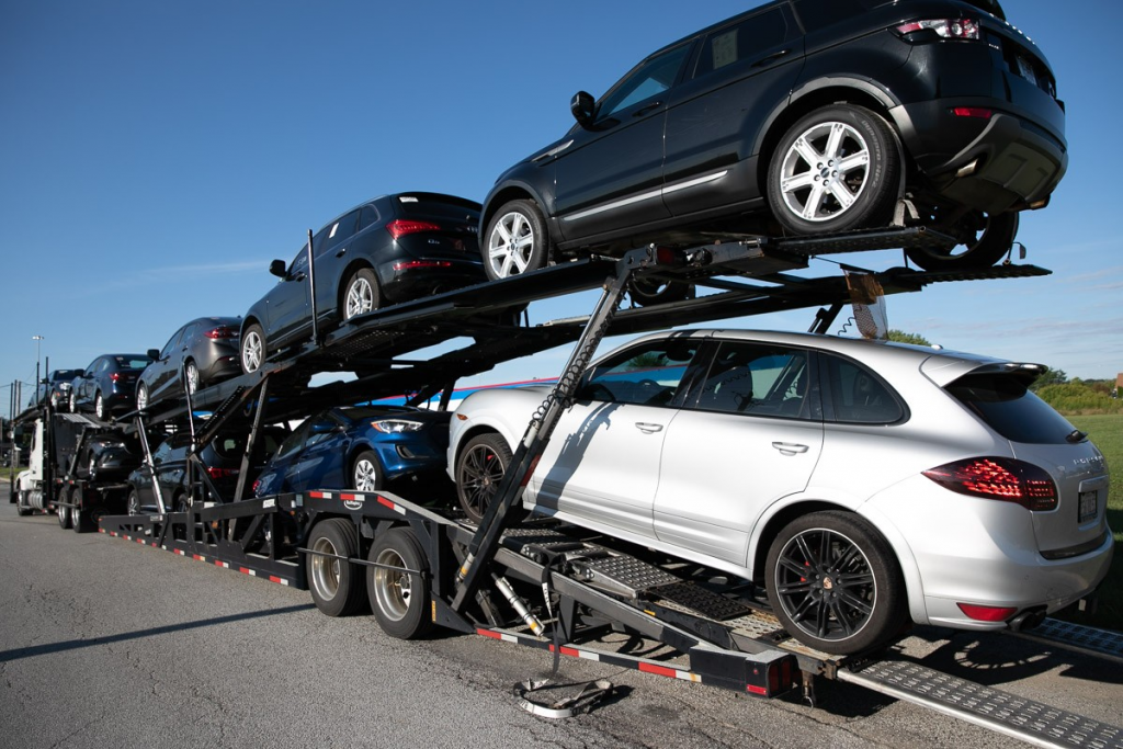 Similarities and Dissimilarities between Auto Rentals and Lease-A-Car