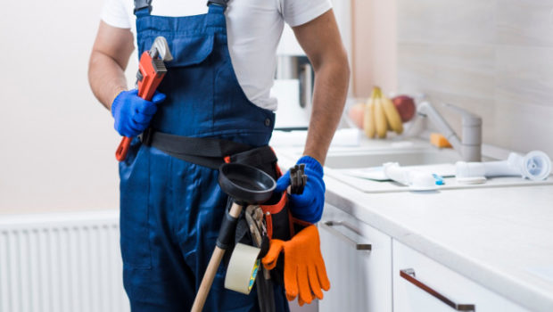 Is it Wise to Hire a Plumbing Contractor for your Household Plumbing Needs?